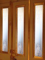 alte Gläser für Holztür