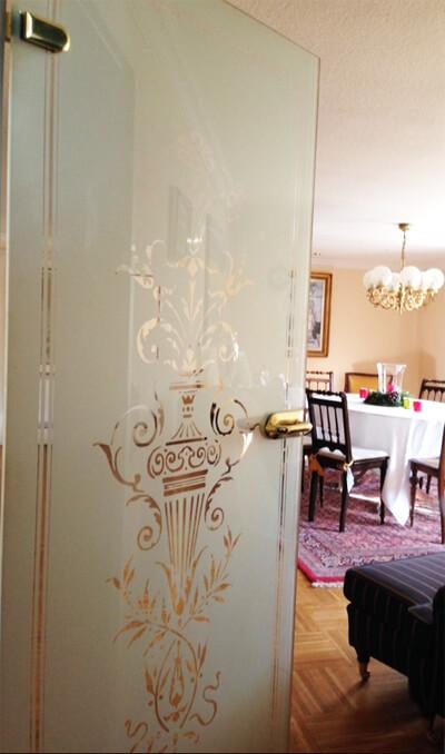historische glast ren glasdekore teufel. Black Bedroom Furniture Sets. Home Design Ideas