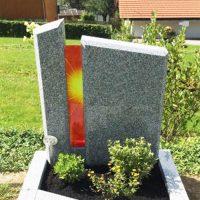 Grabstein mit Sonne Glas