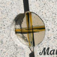 glaskreuz grabstein