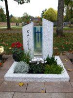 modernes urnengrab